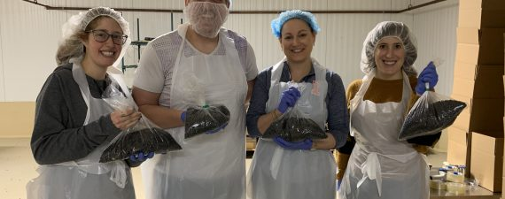 chitribe volunteers greater chicago food depository