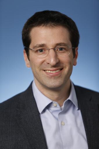 Dr. Natan Sachs chitribe